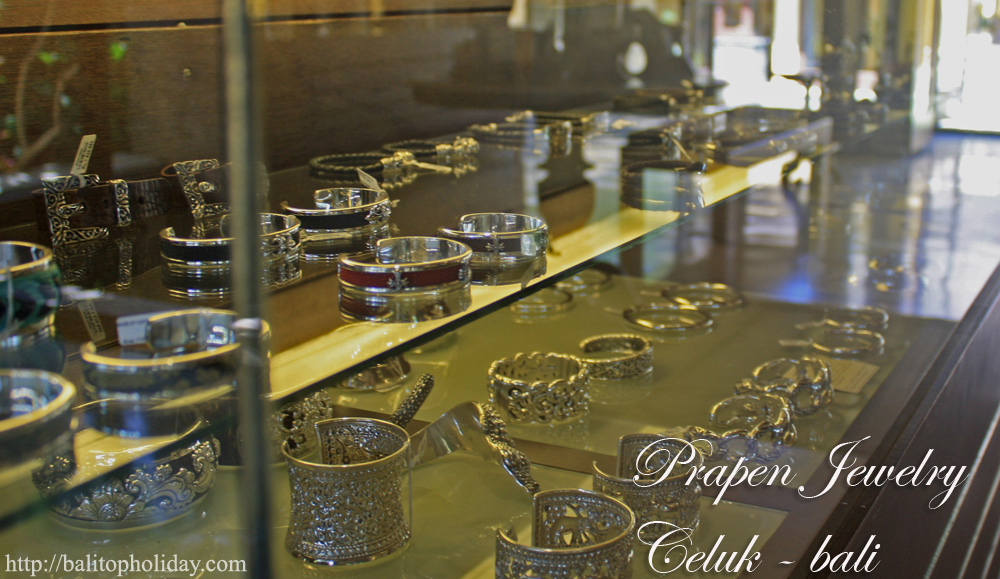 Desa Celuk,Pusat Kerajinan Emas dan Perak di Bali