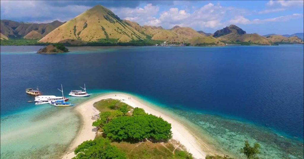 Paket Tour Pulau Komodo